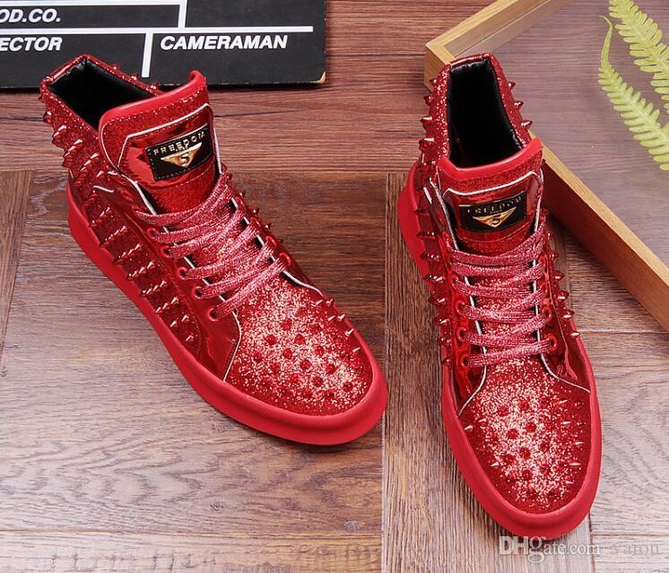 Top Qualité Mode Hommes Haut Haut Style Britannique Rrivet Chaussures Hommes Causal Chaussures De Luxe Rouge Or Noir Bas Chaussures En Caoutchouc pour Mâle