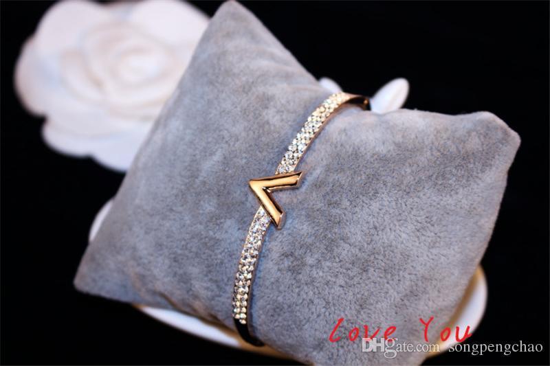 Europeu Letter V pulseira Marca Encantos de zircão Luxo Bangles para as Mulheres do partido Fine Jewelry Costume Acessórios