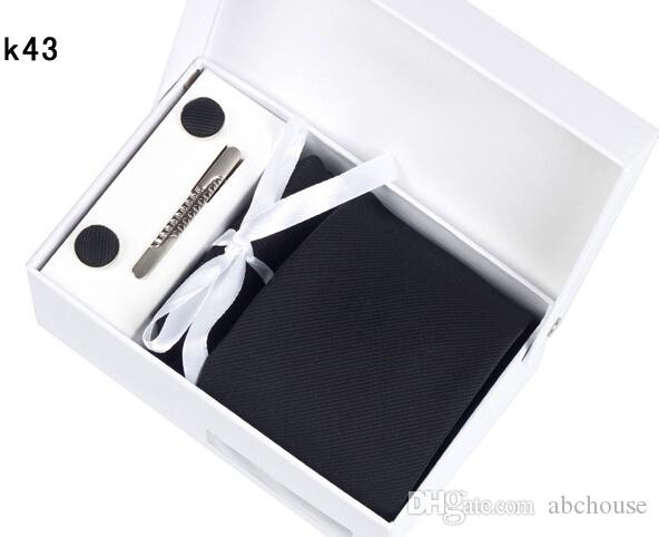 50 Renkler Kalite Erkek Boyun Kravat Seti Düğün Kravatlar Kravat Klipleri Kol Düğmeleri Mendil Hediye Kutusu Moda Business Suit Kravat ADEDI 6 Takım