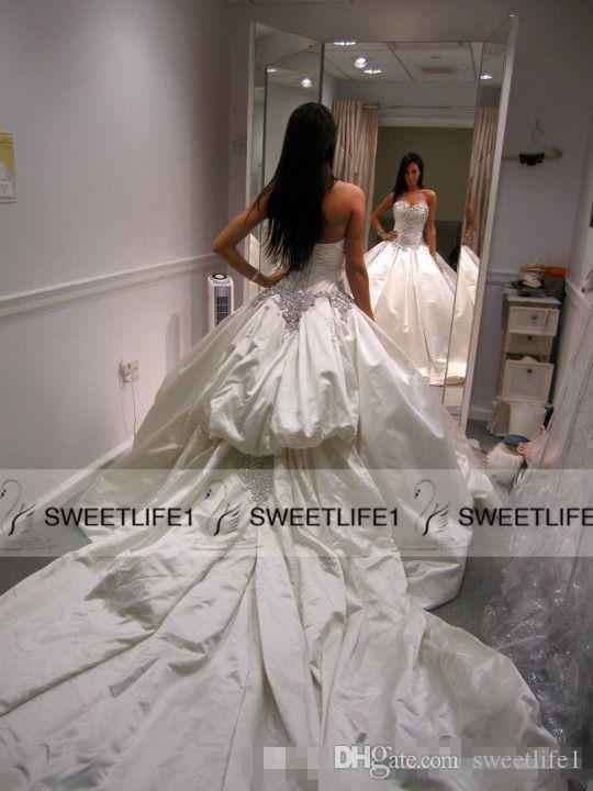 2019 Elegant Satin Pnina Tornai Wedding Dress Ball Gowns Sweetheart Ivory Sparkly Crystal Beaded Lace Up Chapel Train Bridal Gowns