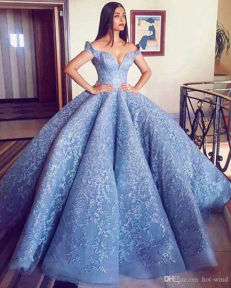 Elegant Ball Gown Off the Shoulder Wedding Dresses 2018 New Vintage Short Sleeves Full Lace Appliques Bridal Gowns Custom Made Castle Gown