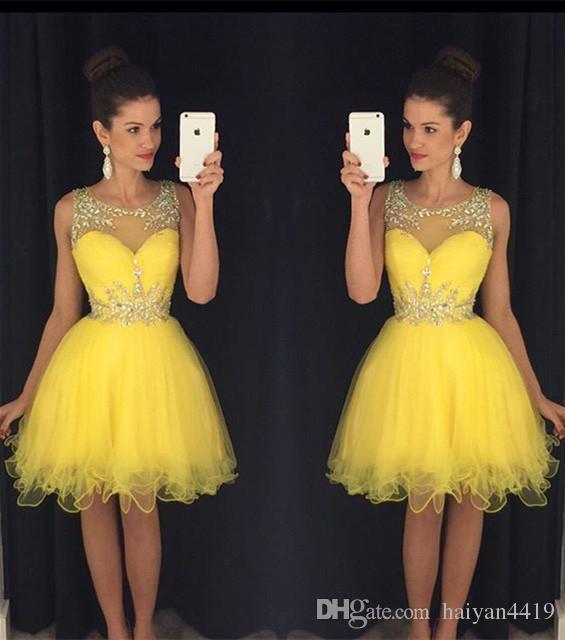 2016 nuovi abiti da cocktail Bling perline di cristallo Illusion collo giallo Tulle breve Mini abito di ritorno a casa formale vestito da partito Prom abiti le donne
