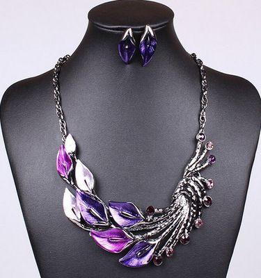 Wholesale jewellery sets Retro Tibetan Leaf Peacock Crystal Rhinestone Drop Earrings Short Necklace Set for Women