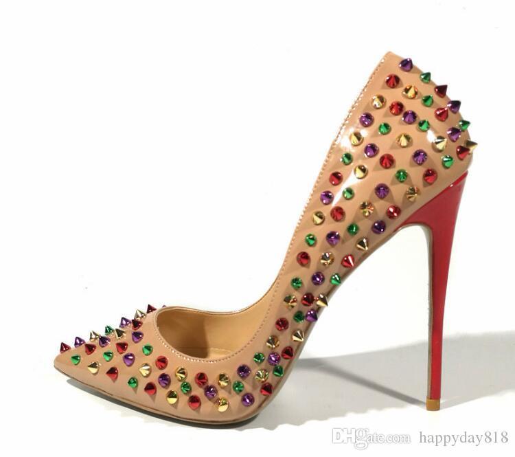 c77d2201ca2 Compre Foto Real Moda Mujer Zapatos De Charol Mujeres Bombas Sexy Punta  Estrecha Tacones Altos Zapatos De Boda Color Tachonado Picos Remaches  Tacones A ...