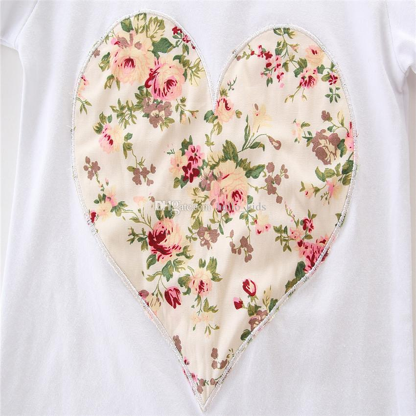 Baby Mädchen INS Herzförmige Blume Anzüge Kinder Kleinkind Kleinkind Beiläufige Kurze Langarm T-shirt + Hose + Haarband 3 stücke Sets Pyjamas Kleidung