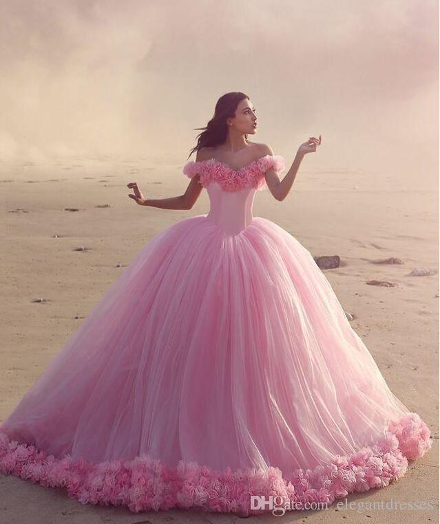 2016 Quinceanera Suknie Dziecko Różowe Suknie Balowe Z Gorsetu Ramię Gorąca Sprzedaży Słodkie 16 Prom Dresses Z Ręcznie Made Flowers
