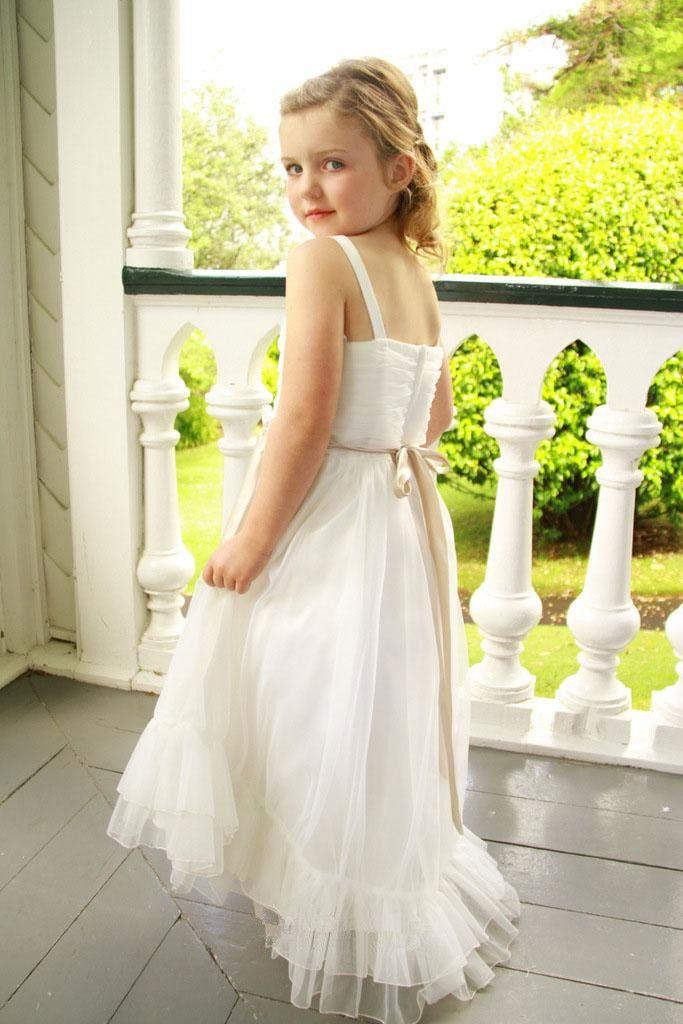 스파게티 스트랩 첫 영성체 드레스 리본 쉬폰 쉬폰 아름다운 꽃 파는 소녀 복장 지퍼 백 민소매 주니어 들러리 가운