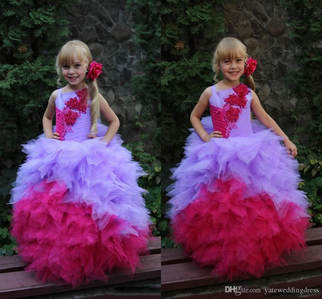 Bonito 2017 Meninas de Flores Vestidos de Baile Vestidos Com Applique Espaguete Vestidos Pageant Camadas Plissado Plissado Custom Made Vestido de Festa Formal