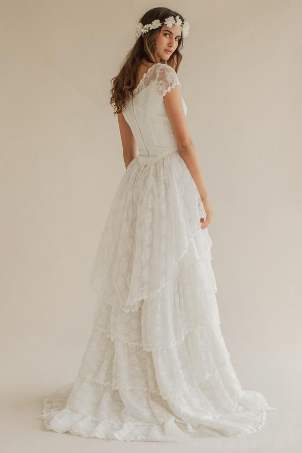 Bohemio 2016 Summer Beach Wedding Dresses Boho Lace Scoop manga corta con gradas vestidos de novia largos por encargo de China EN52512