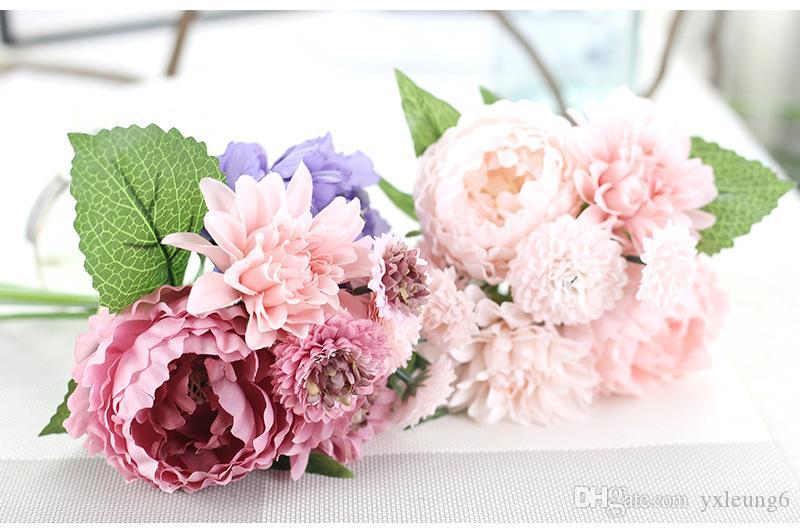 Bridal Birde Holding Flowers Bridal Bouquets/Bridesmaid Bouquets For ...