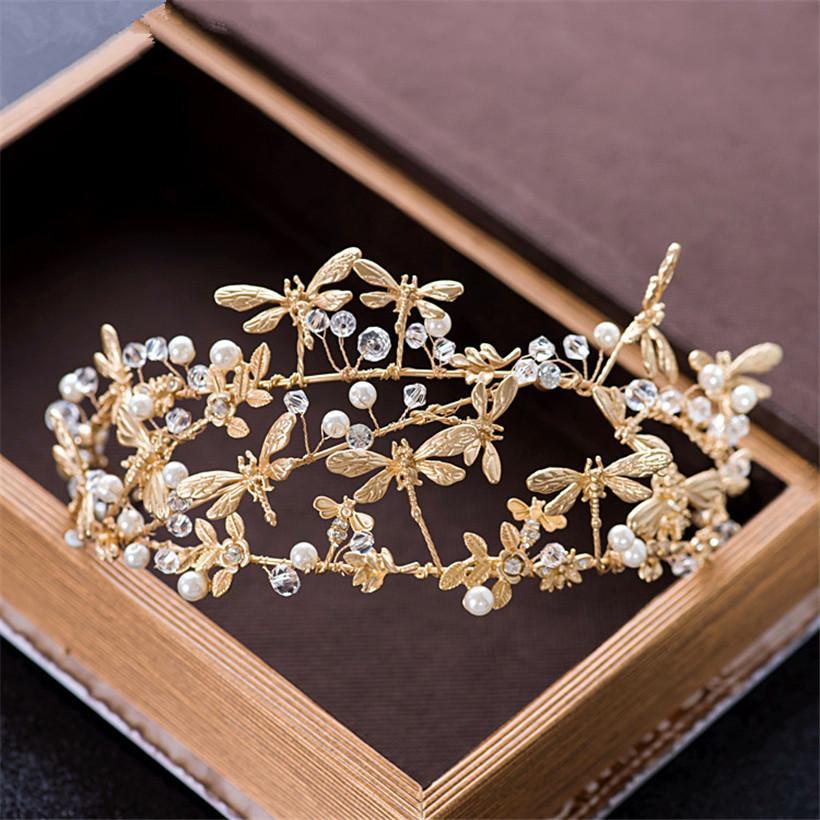 Acquista Vintage Wedding Bridal Crown Tiara Princess Fascia Gold Rhinestone  Di Cristallo Perla Dragonfly Accessori Capelli Prom Prom Gioielli Prom A   20.58 ... 0f49529f1a94