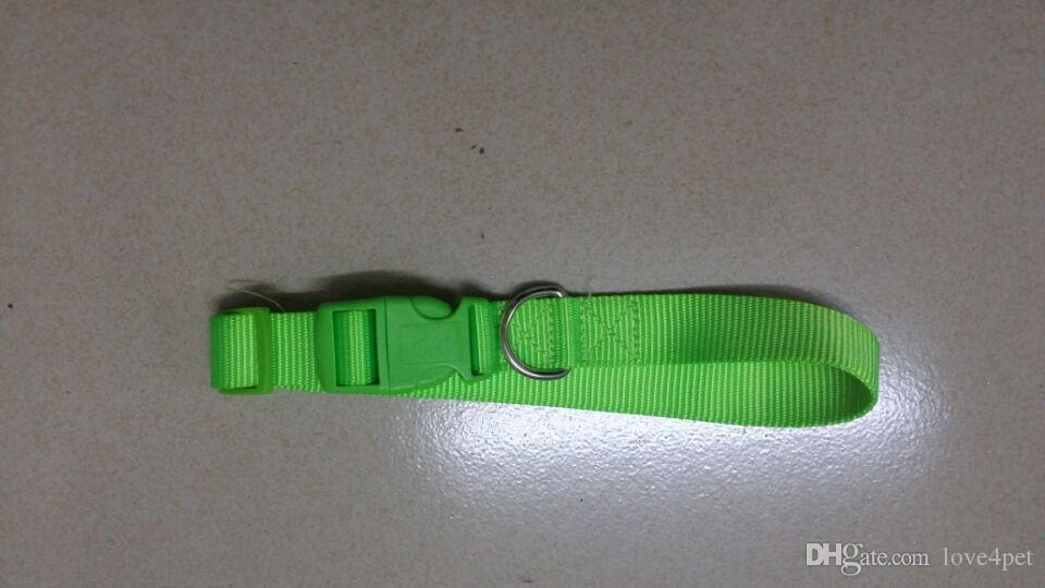 Collare dell'animale domestico del collare di nylon del collare di nylon di larghezza del collare di gatto del cane di stile di D56 nuovo 2.5cm. Trasporto libero di S.M.L.