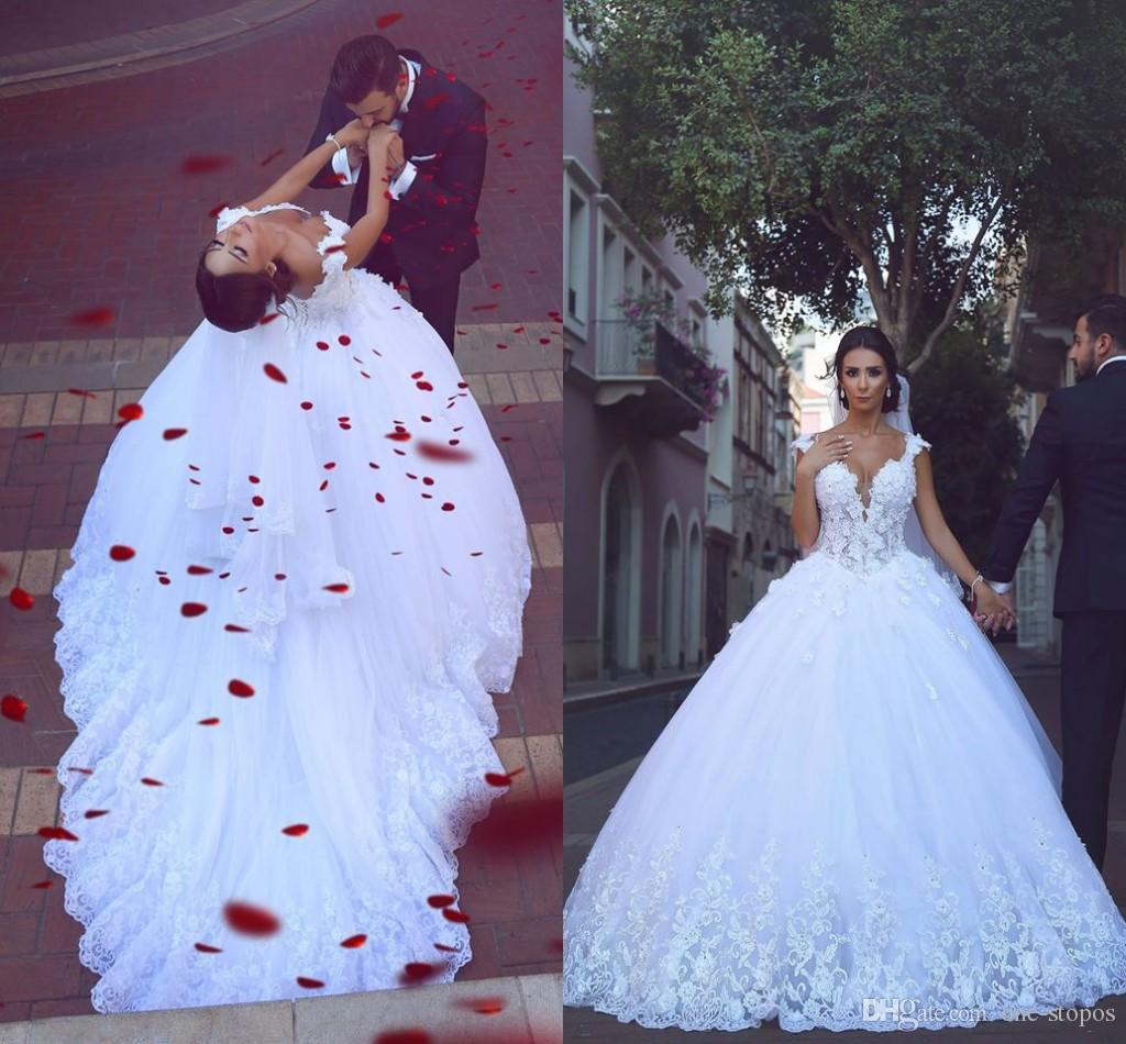 2017 Vintage Tulle Ball Gown Wedding Dress V Neck Lace 3D-Floral ...