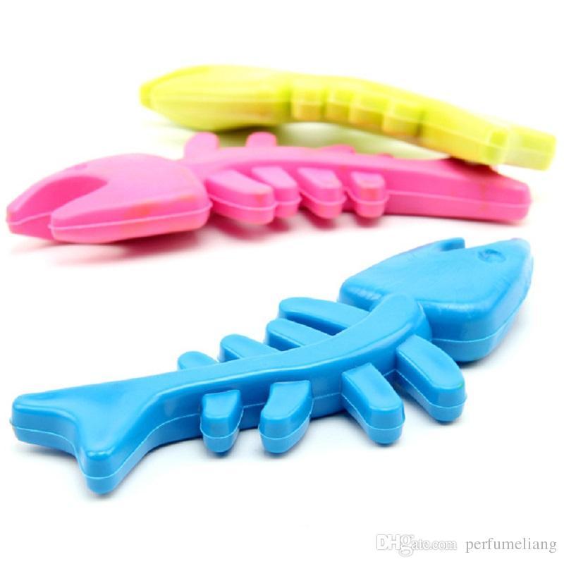 Resistant Bite TPR Haustier Hund kauen Spielzeug bunte Fischgräte kauen Spielzeug für Welpen Hund Katze WA0780