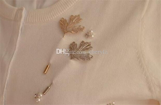 Vintage Maple Leaves Brooch Pins Gold & Silver Plated Men Suits Women Sweater Scarves Pins Fashion Fine Jewelry Xmas Gift DCBJ1177
