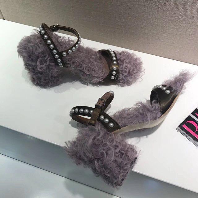 Novo 2017 Real Fur Sandálias Quentes de salto Alto T amarrado Pérolas De Seda Sapato das Mulheres