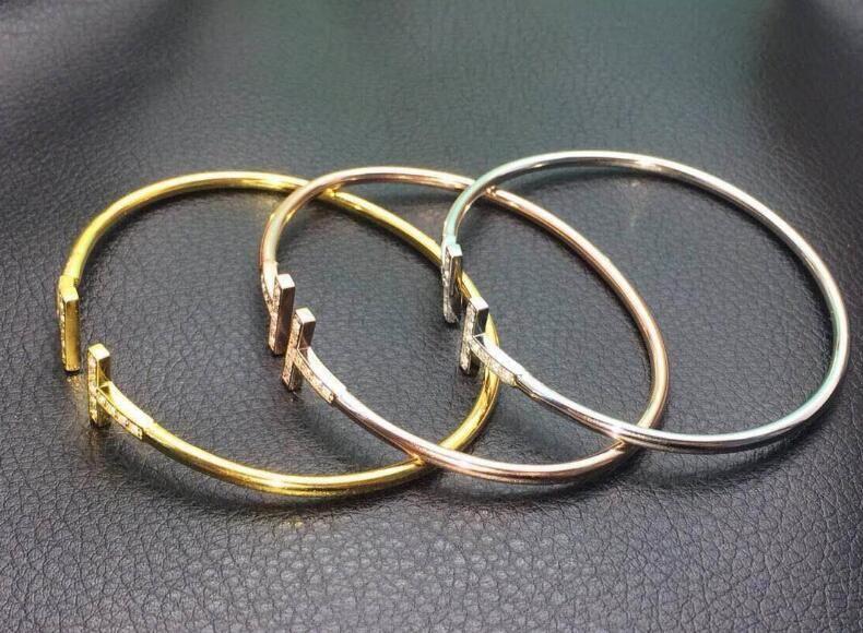 Braccialetto in oro regolabile a forma di T con polsino in metallo regolabile a forma di T CZ Bracciale con ciondolo a croce aperto donne o uomini