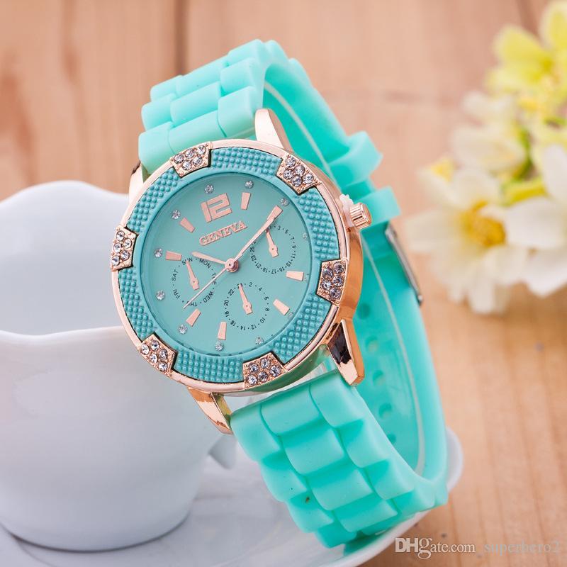 Nuevos relojes para mujer Moda Diamante de silicona GENEVA Reloj de tres ojos 6 agujas de alta calidad de cuarzo Boutique Reloj de Las Mujeres envío gratis 50 unids