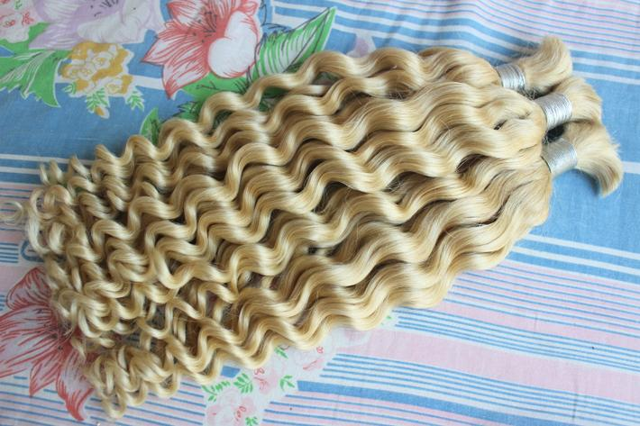 Высокое Качество Необработанные Перуанские Глубокая Волна Плетение Волос В Объемных Наращивание Человеческих Волос Нет Утки Дешевые 613 Блондинка Вьющиеся Ткать Навалом Для Кос