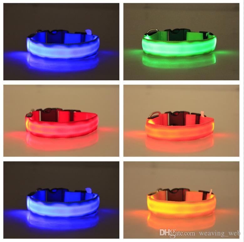 Cadeaux de Noël Collier LED Collier Hot XS / S / M / L / XL pour Snoopy LED Clignotant GLOW LED Fournitures pour animaux de compagnie Collier de chat de chien Colliers de petits chiens