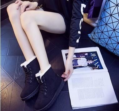 2016 yeni kışlık ayakkabılar. Monokromatik. Kar botları. Bayan Ayakkabıları. Kalın taban. Pamuk ekle. Kısa botlar. Kadın botları.