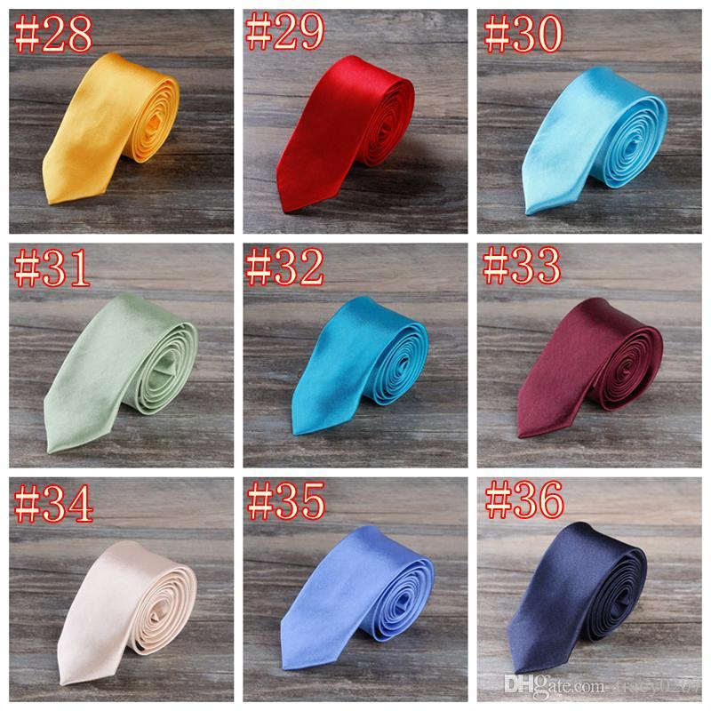 2016 NOUVEAU Hommes 5 cm Cou polyester fibre Cravate Cravate Noeuds Hommes Couleur pure Narrow Design bout pointu Cravate Arder Cravates