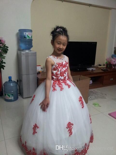 2016 heißer Verkauf Frühling Blumenmädchen Prinzessin Tutu Sleeveless Hochzeit Spitzenkleid Edle Mit Reißverschluss Perspektive Kragen Diamant