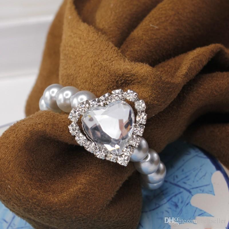 Glitter Bling Heart Shaped big Rhinestone Shiny Pearls Crystal Napkin Rings For Wedding Party Table Decoration Supplies