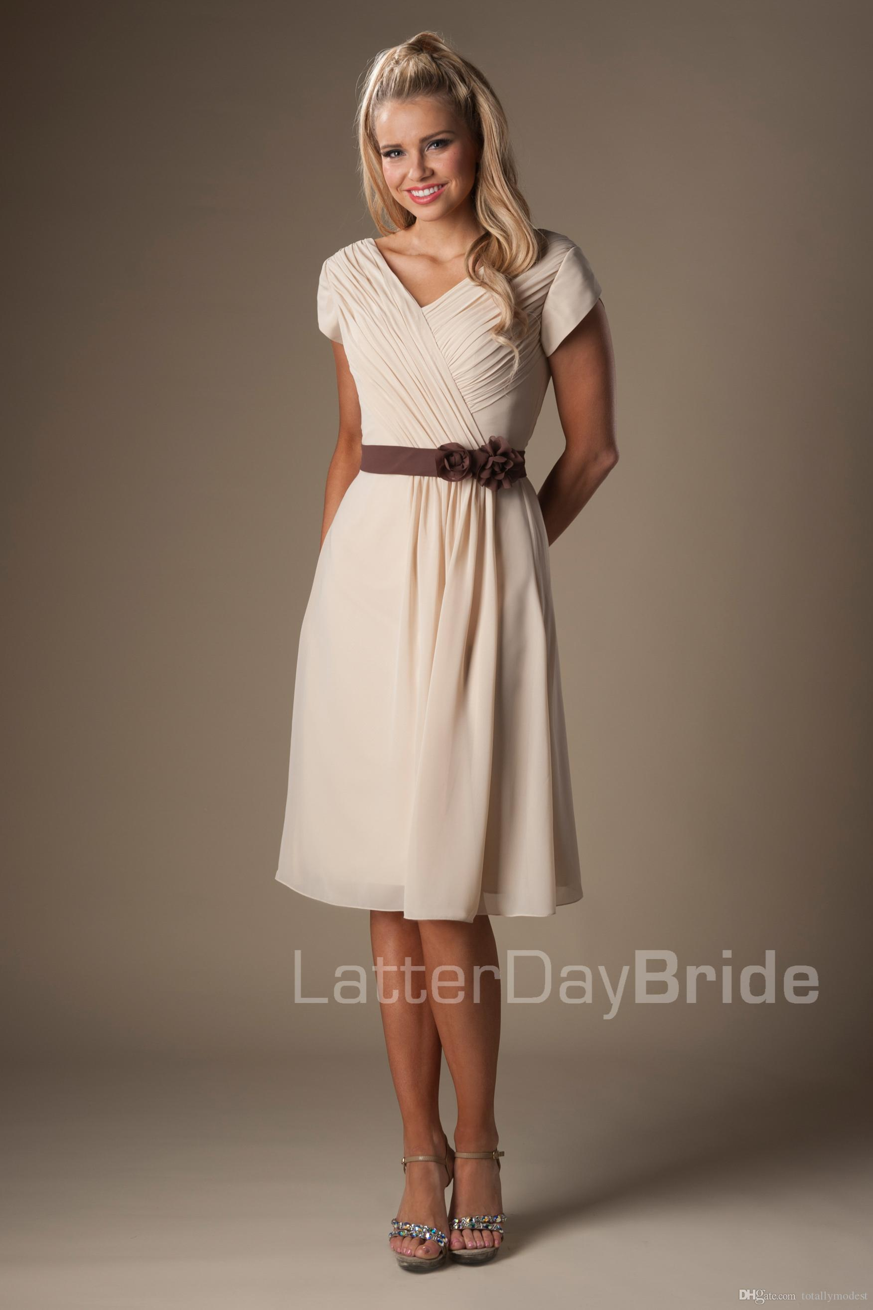 Champagne Short Modest Bridesmaid Dresses With Cap Sleeves