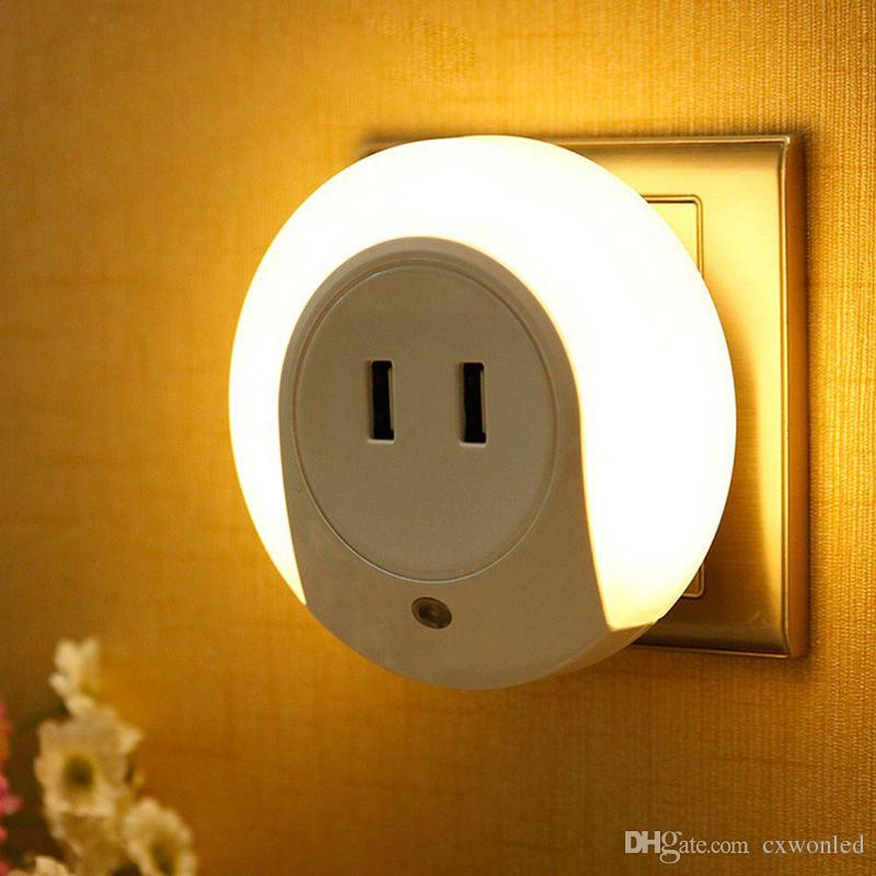 Multifunction LED Night Light with Light Sensor and Dual USB Wall Plate Charger Smart Design Light for Bedrooms AC100-240V to 5V 2A