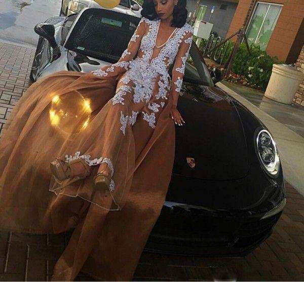 Abiti da ballo con applicazioni in pizzo popolari Abiti da sera con scollo a V a maniche lunghe con scollo a V e maniche lunghe illusione marrone Abiti da festa convenzionali in arabo saudita