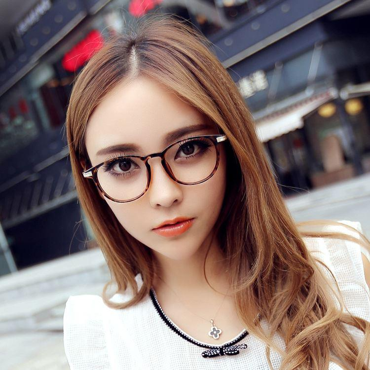 Popular Asian Fashion Bloggers