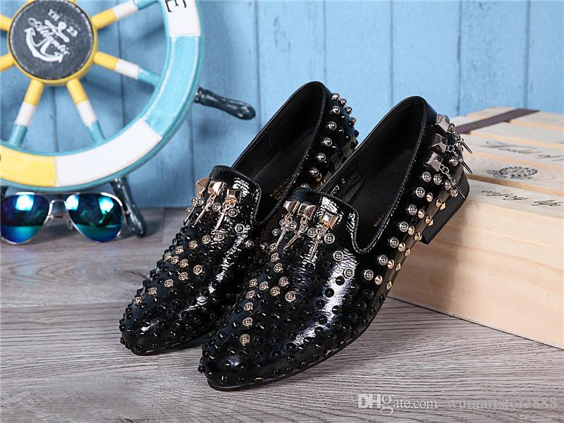 2016 Sell like hot cakes Mens Genuine Leather Shoes Slip on Rivet Black Red Men Business Dress Loafers Basic Flats Wedding Party Shoes Plus