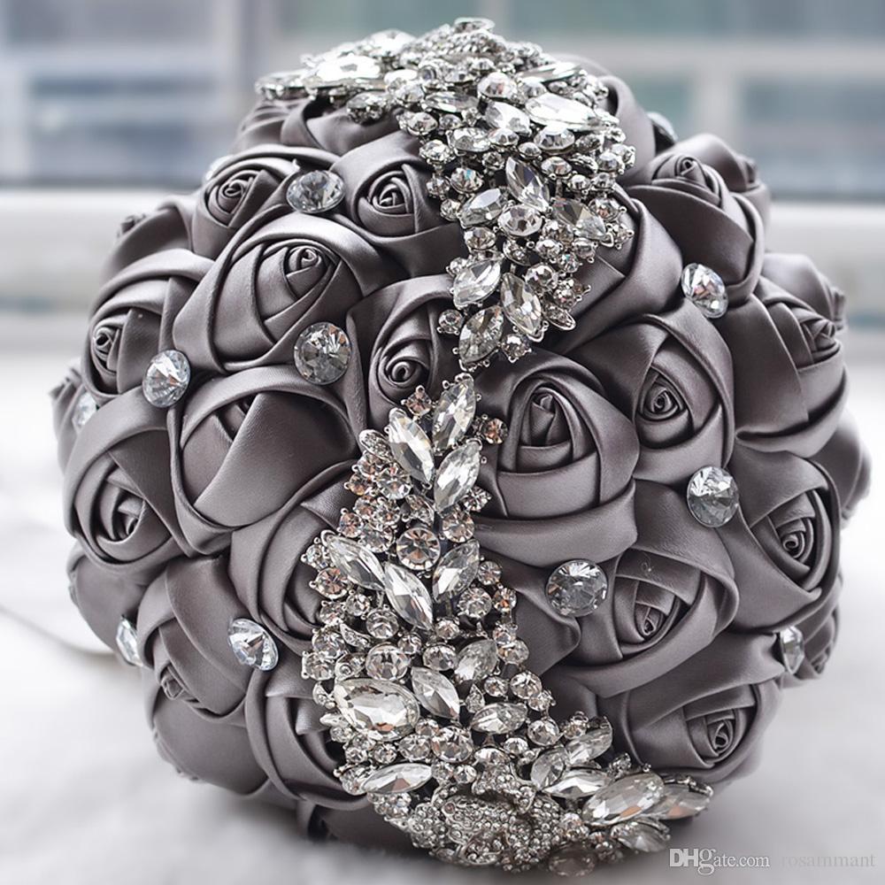 2019 Nuevo broche de cristal Accesorios de boda Ramo de la boda Dama de honor Flores de satén artificiales Flores de boda Ramos de novia