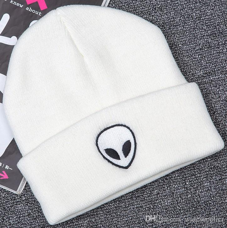 New Europe Fashion Trend alien embroidery map street knitting hat men and women warm wool hat