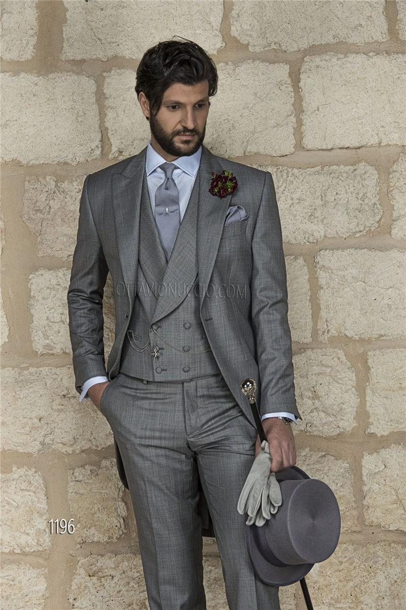 Por encargo Popular Novio Esmoquin Pico de la solapa Mejor traje de hombre Groomsman gris / Trajes de boda / cena de los hombres chaqueta + pantalones + corbata + chaleco A58