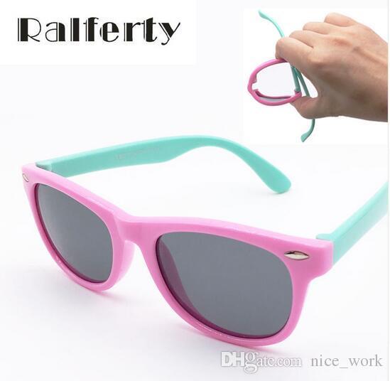Compre Óculos De Sol Clássico Infantil Baby Kids Óculos Polarizados  Segurança Crianças Coating Óculos De Sol UV 400 Proteção Moda Shades Oculos  De Sol De ... a1c4579a6a