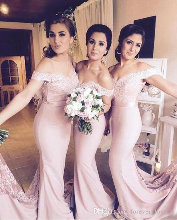 Beliebte Brautjungfernkleider aus der Schulter Meerjungfrau lange Brautjungfern Kleid Spitze Applique Top formale Abendgesellschaft Kleider mit Schärpe