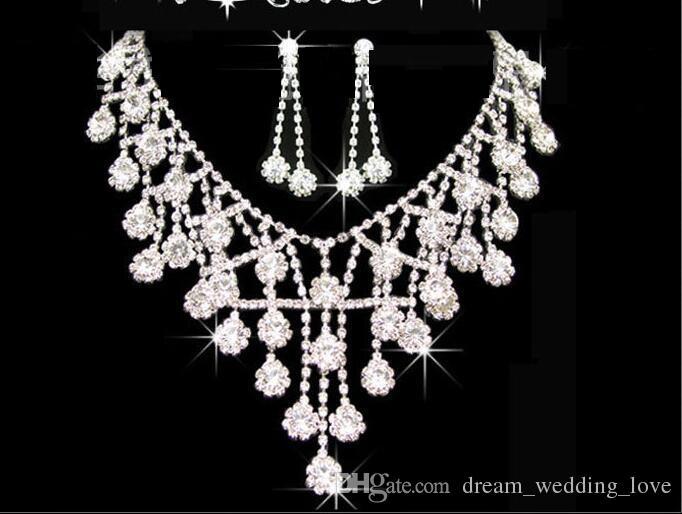 Tiaras Kronen Hochzeit Haarschmuck neceklace, ohrring Günstige Großhandel Mode Mädchen Abend Prom Party Kleider Zubehör HT01