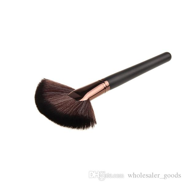 Brush Big Sector Blusher Brush Foundation Brush Makeup Brushes Beautiful Makeup Tool Wood Handle Long Pole Artificial Fiber High Quality