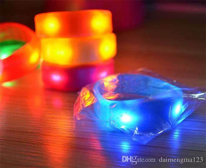 500 pz controllo del suono musica attivato led lampeggiante braccialetto light up braccialetto wristband night club attività party bar discoteca cheer i d866