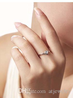 anillos de compromiso de oro diamante natural maciza certificada para las mujeres 0.10ct del corte redondo SI G-H calidad 14K oro blanco al por mayor de la forma del corazón XTR1022
