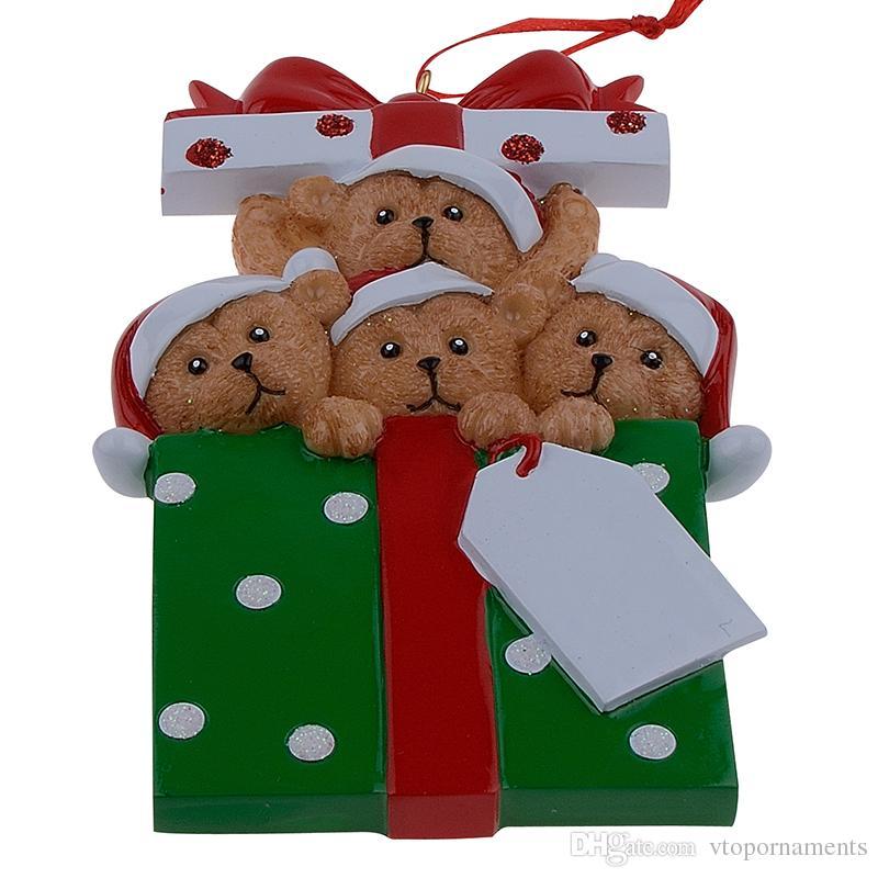 Großhandelsharz-Bärn-Familie von 4 Weihnachtsverzierungen Personalisierte Geschenke, die Ihren eigenen Namen für Feiertags- und Hauptdekor schreiben können