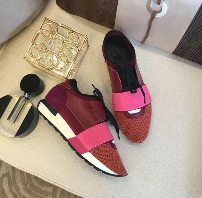 Nuevo diseñador de zapatos de malla Envío de la marca Marca popular Calzado casual Hombre mujer Zapatillas Moda Colores mezclados Rojo Entrenador de malla desnudo con caja