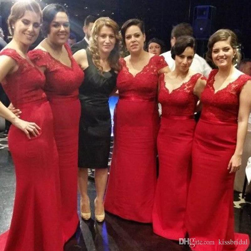 Robe de demoiselle d'honneur de pays de sirène rouge bon marché à manches longues à col en V plus la taille de balayage train robes de soirée robe de demoiselle d'honneur