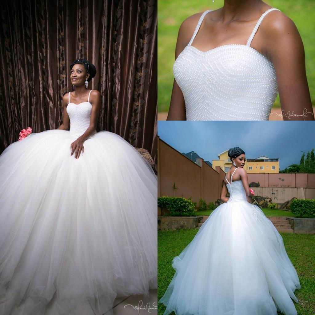 2019 Princesa Vestidos de bola Vestidos de boda de la mano completa Abalorios Correas de espagueti Sin respaldo Vestidos de novia sudafricanos Vestidos de boda vintage