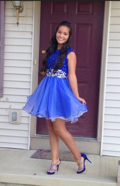 블루 레이스 짧은 A 라인 홈 커밍 드레스 2016 승무원 Applqiue 파란색 크리스탈 칵테일 파티 댄스 파티 드레스 Tulle 8 학년 졸업 가운