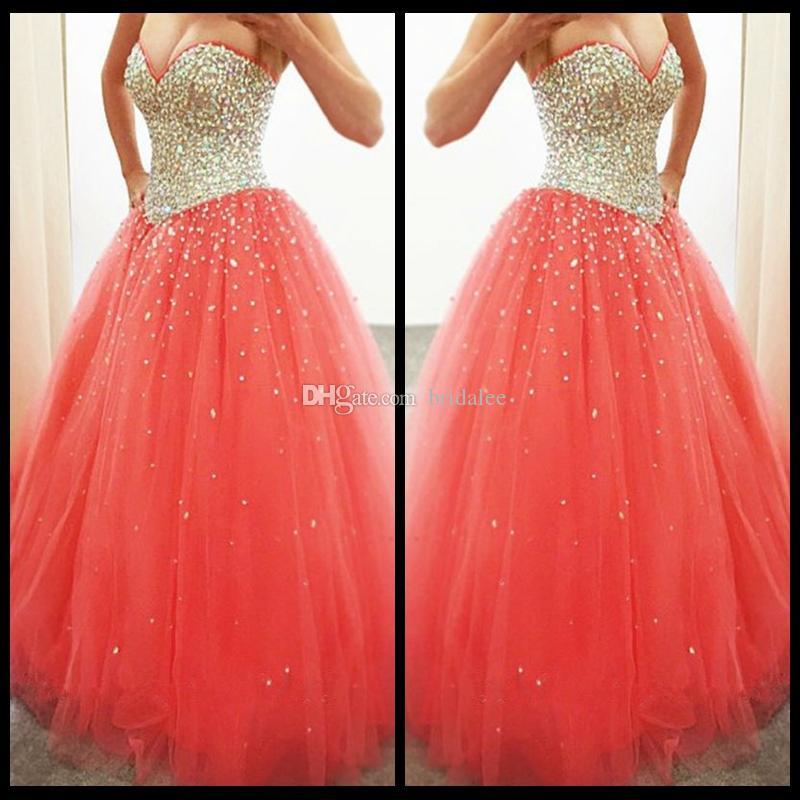 Encantadora 2016 Coral Sweetheart Strapless vestido de bola de Tulle vestido de quinceañera con cuentas blusa Sweet 16 Princess Dress
