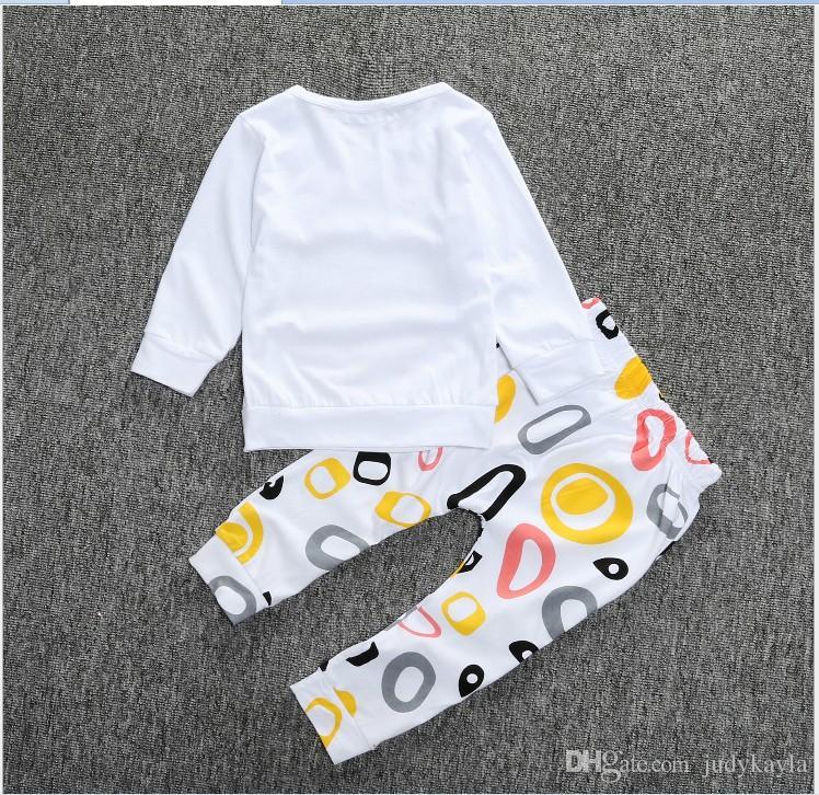 2016 Novas Crianças Conjuntos de Roupas de Crianças Dos Desenhos Animados Coruja T-shirt Tops + Padrões Geométricos Calças Set Bebê Meninos Meninas Casuais Outfits Bebês Ternos
