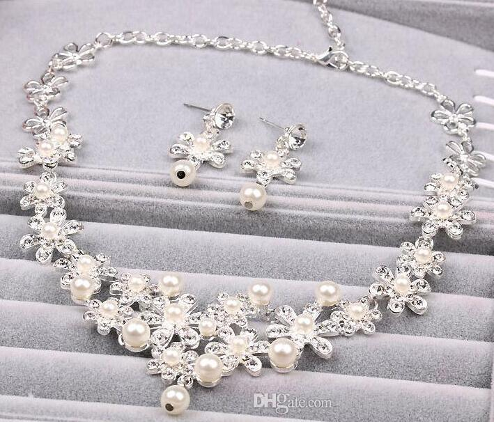 Bridal crowns Accessories Tiaras Hair Necklace Earrings Accessories Wedding Jewelry Sets cheap price fashion style bride HT02